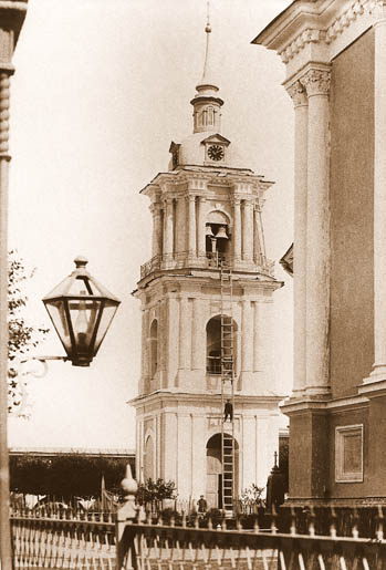 Колокольня Покровского монастыря