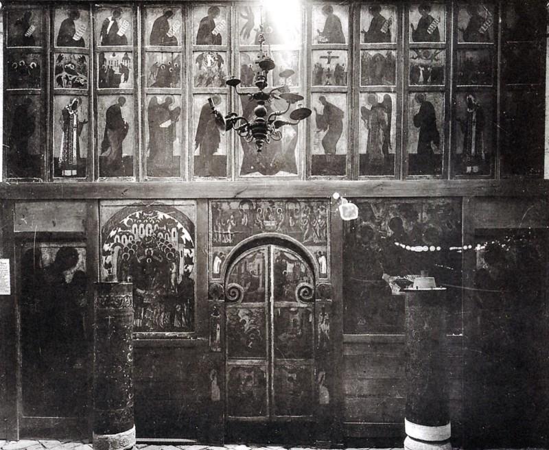 Иконостас церкви Троицы Покрова на Рву