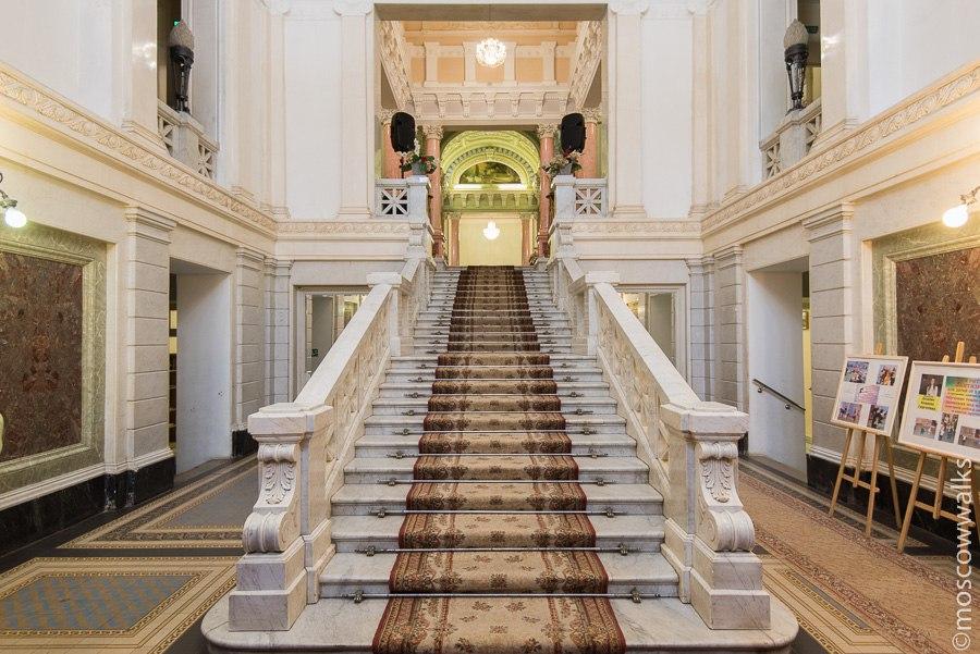 Парадная лестница.jpg