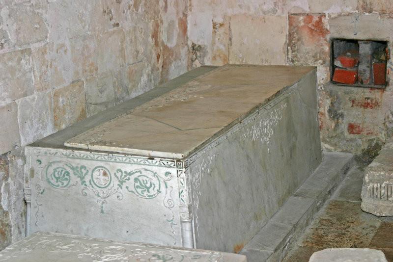 Спасо-Преображенский собор - надгробие
