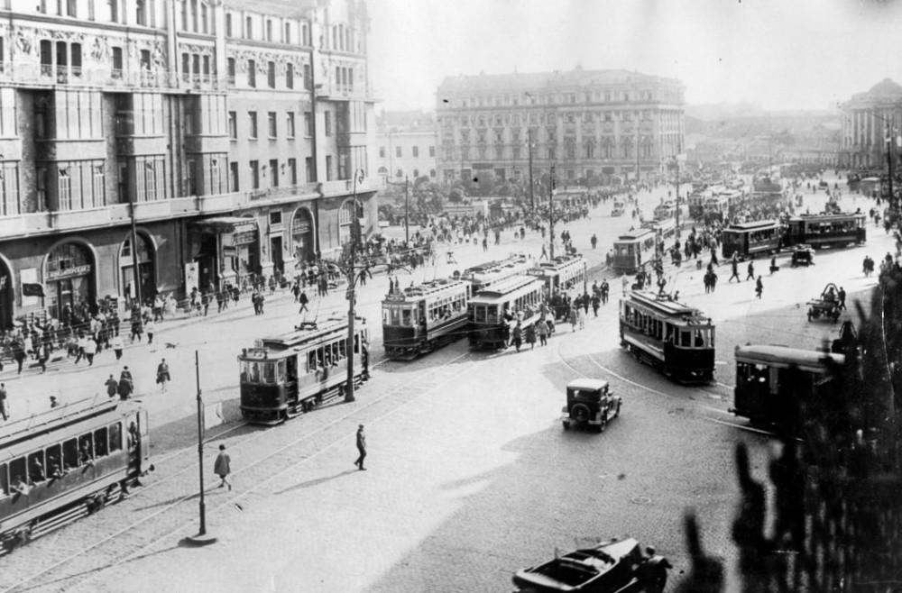 Театральная площадь. 1929-1930 гг.