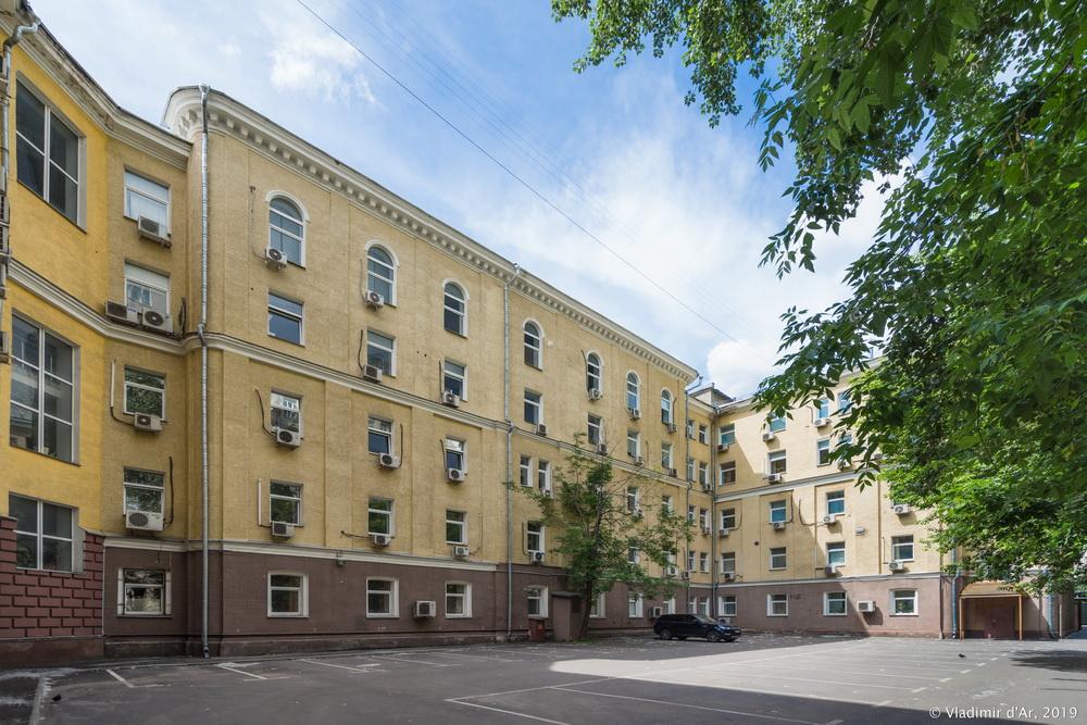 Малая Пироговская 18 - 4.jpg