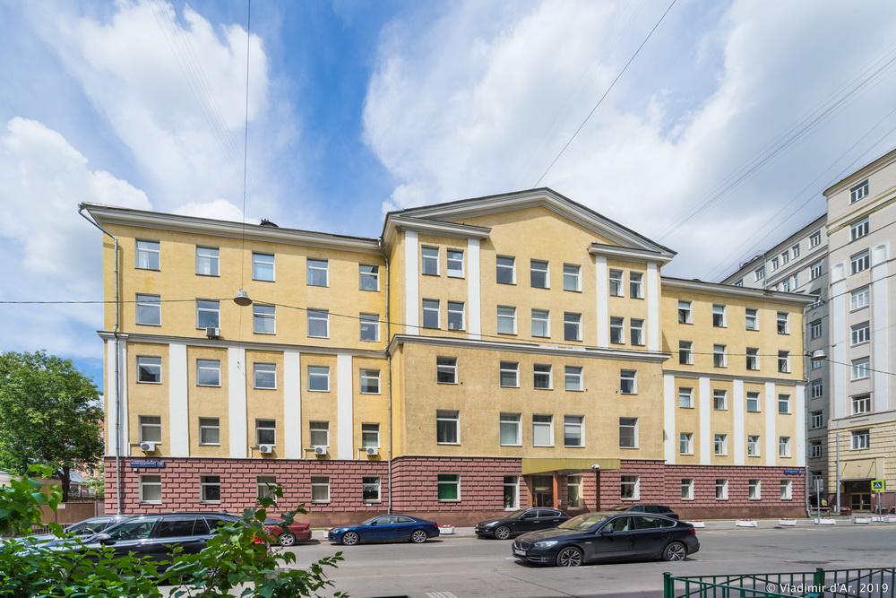 Малая Пироговская 18 - 6.jpg