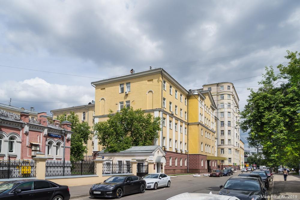 Малая Пироговская 18 - 7.jpg