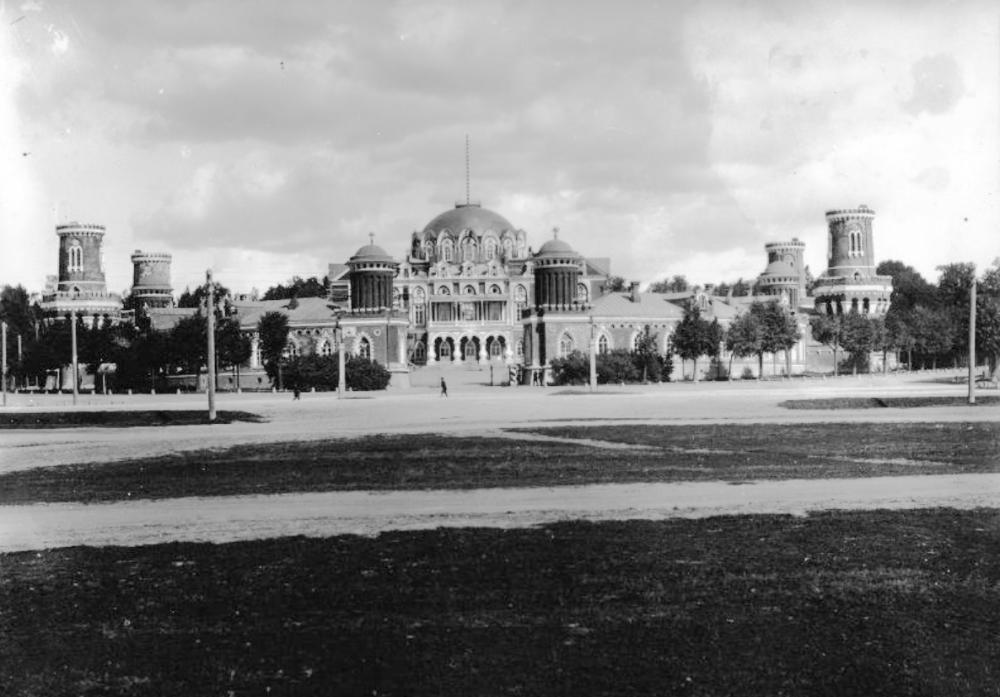 Петровский дворец-2