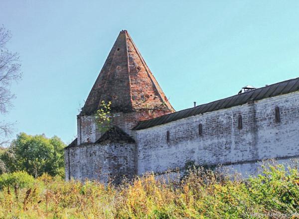 Покровский монастырь - шатровая башня