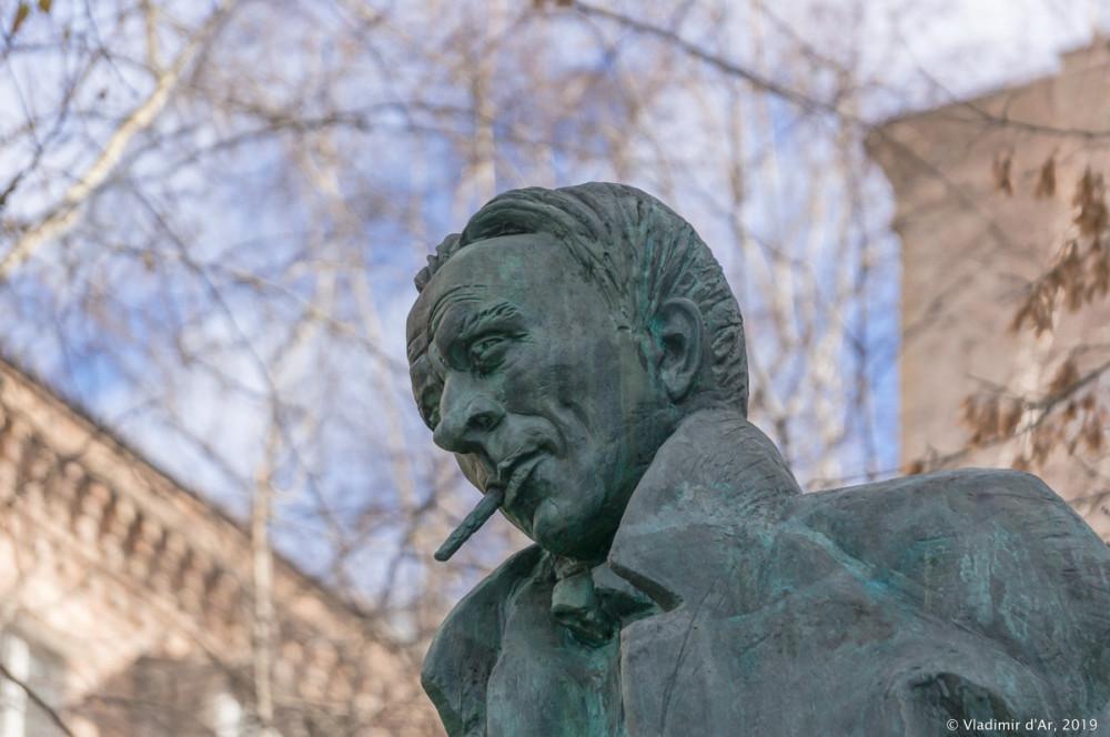 Памятник Булгакову 17.jpg
