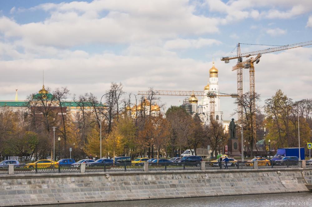 Москва стоится