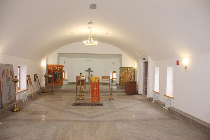 Храм в честь преп. Иова. Внутренний вид первого этажа.