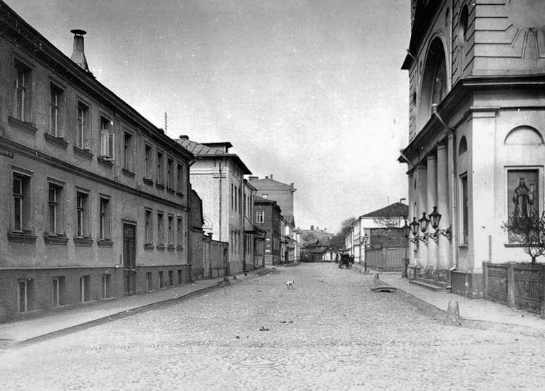 Успенская церковь на Могильцах - 03.jpg