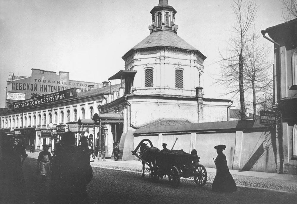 Надвратная башня Златоустовского м-ря.jpg