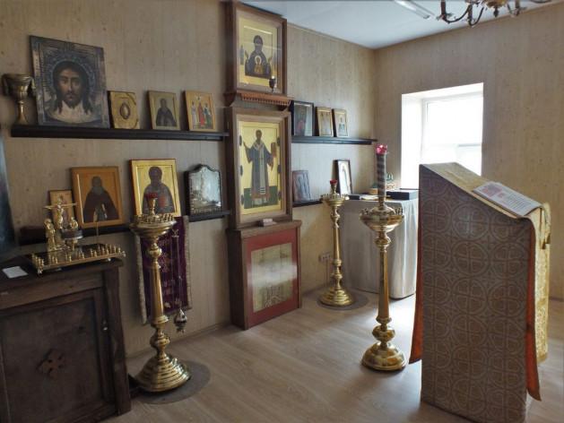 Храм при доме причта