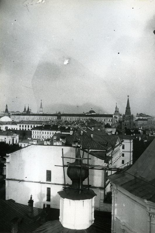 Вид с колокольни Крестовоздвиженского монастыря - 1925-1929.jpg