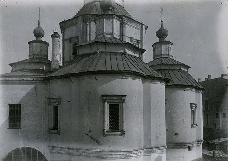 Начало сноса церкви Воздвижения - 1934.jpg