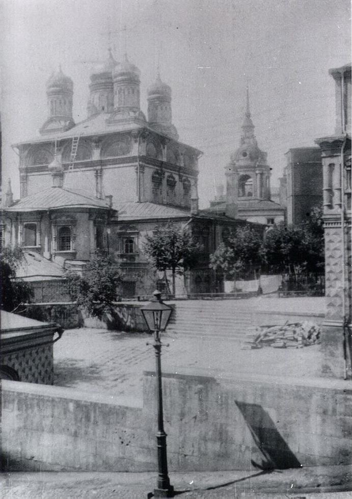 Знаменский монастырь в Москве - 2.jpg
