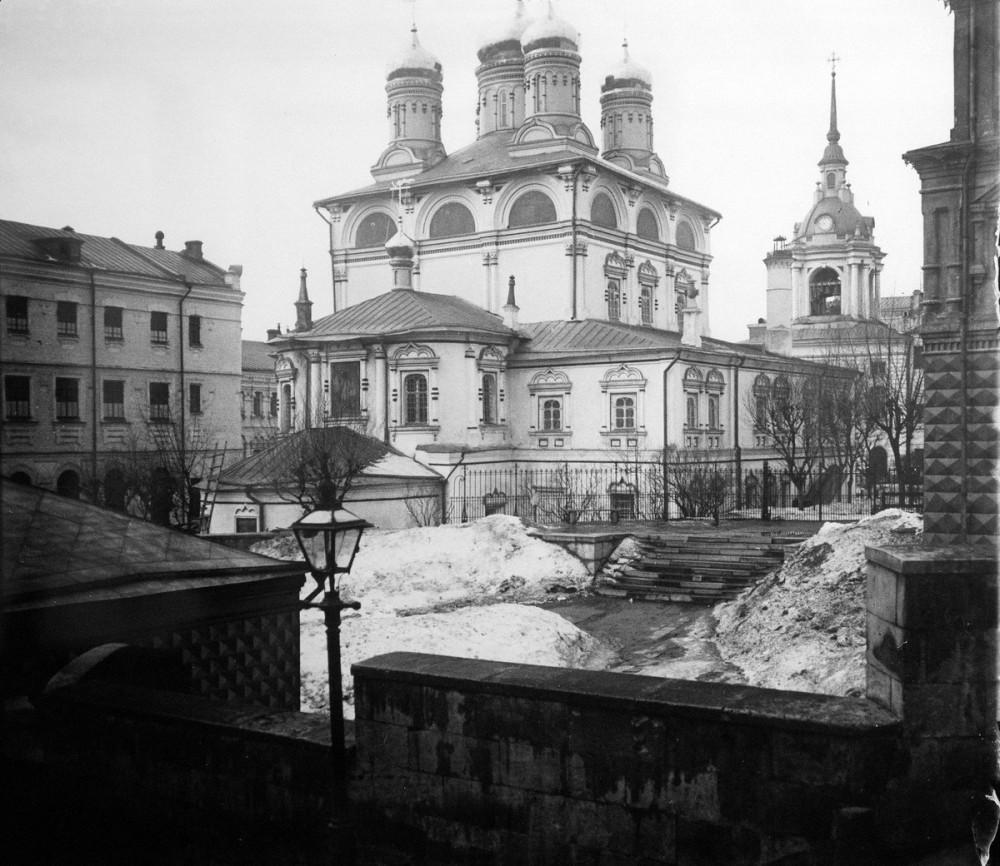 Знаменский монастырь в Москве - 3.jpg