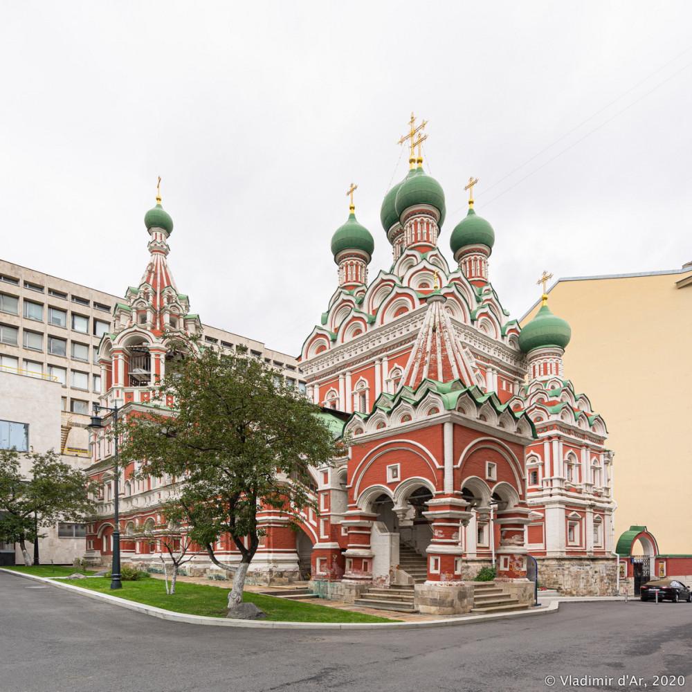 Церковь Троицы Живоначальной в Никитниках - 01.jpg
