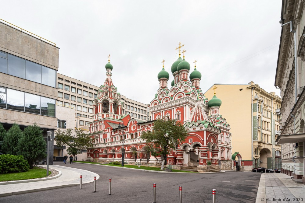 Церковь Троицы Живоначальной в Никитниках - 02.jpg