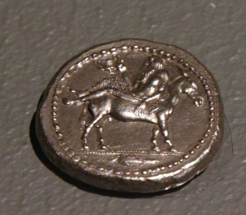 Тетрадрахма Менды (Халкидики) с изображением Диониса. Около 425 г. до н.э. Серебро.