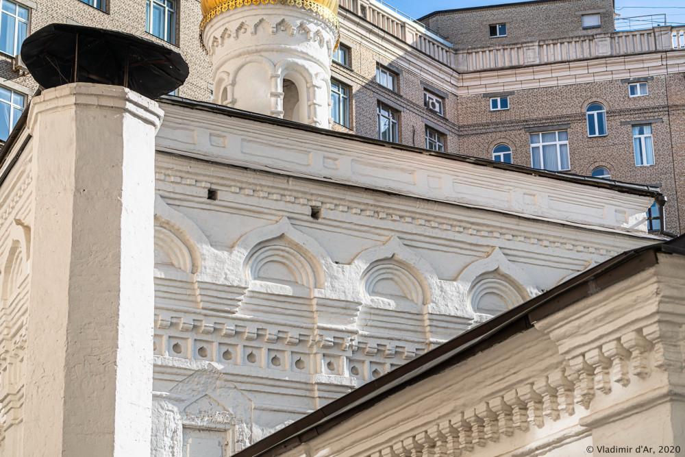 Церковь Архангела Михаила в Овчинниках 04.jpg