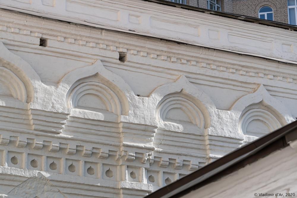 Церковь Архангела Михаила в Овчинниках 05.jpg