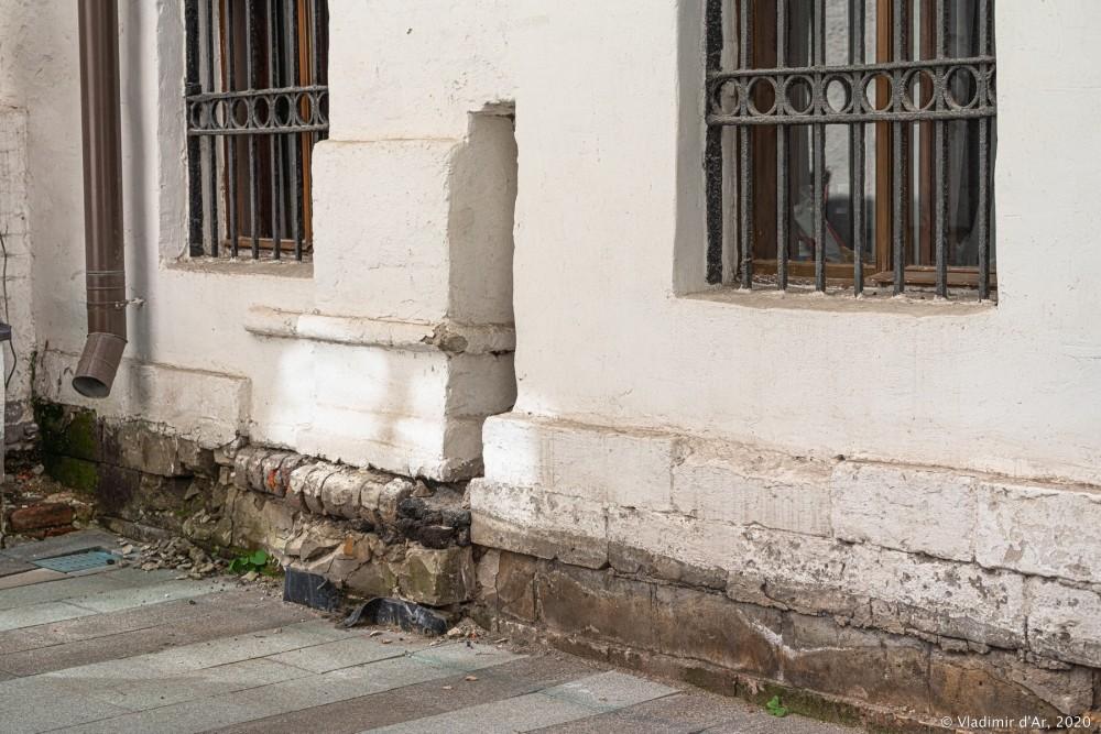 Церковь Архангела Михаила в Овчинниках 06.jpg