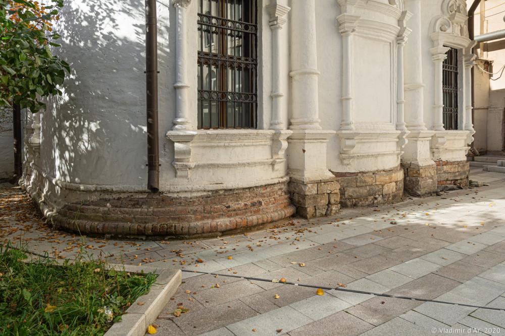 Церковь Архангела Михаила в Овчинниках 30.jpg