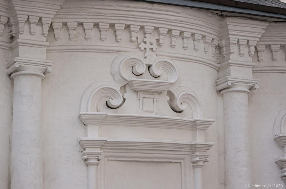 Церковь Архангела Михаила в Овчинниках 36.jpg