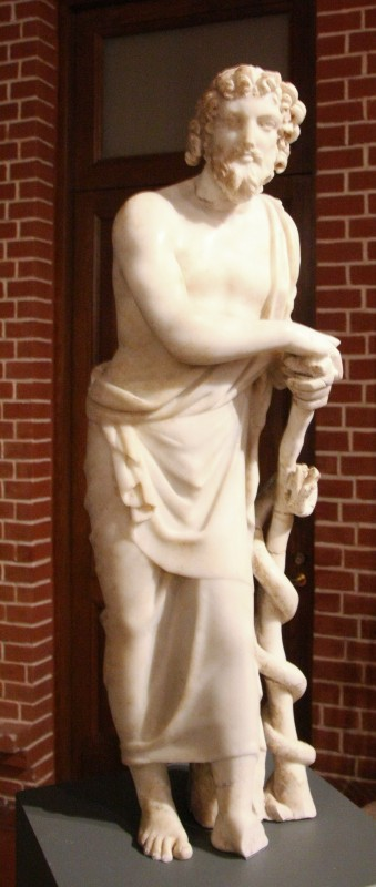 Статуэтка Асклепия. III-IV вв. н.э. Мрамор.