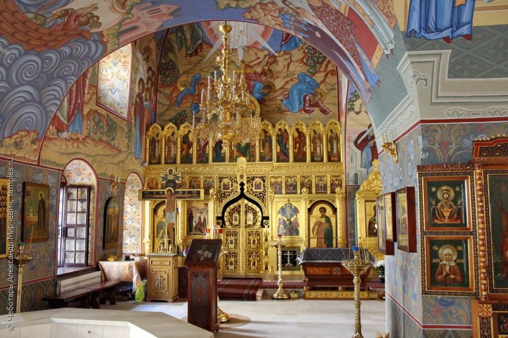 Интерьер Никольского придела церкви Георгия Победоносца, что в Ендове