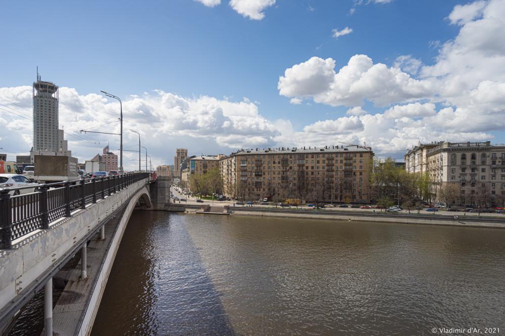 Большой Краснохолмский мост - 02.jpg