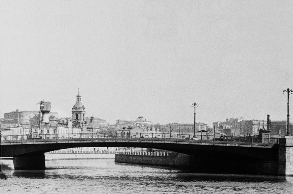 Малый Устьинский мост -.jpg
