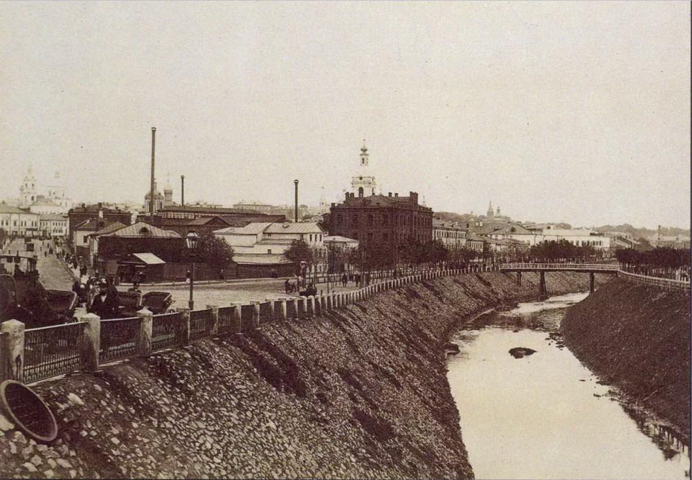 Яуза от Устьинского моста