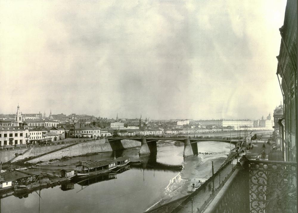 Москворецкий мост - вид балкона Кокоревского подворья - 1912-1917 годы