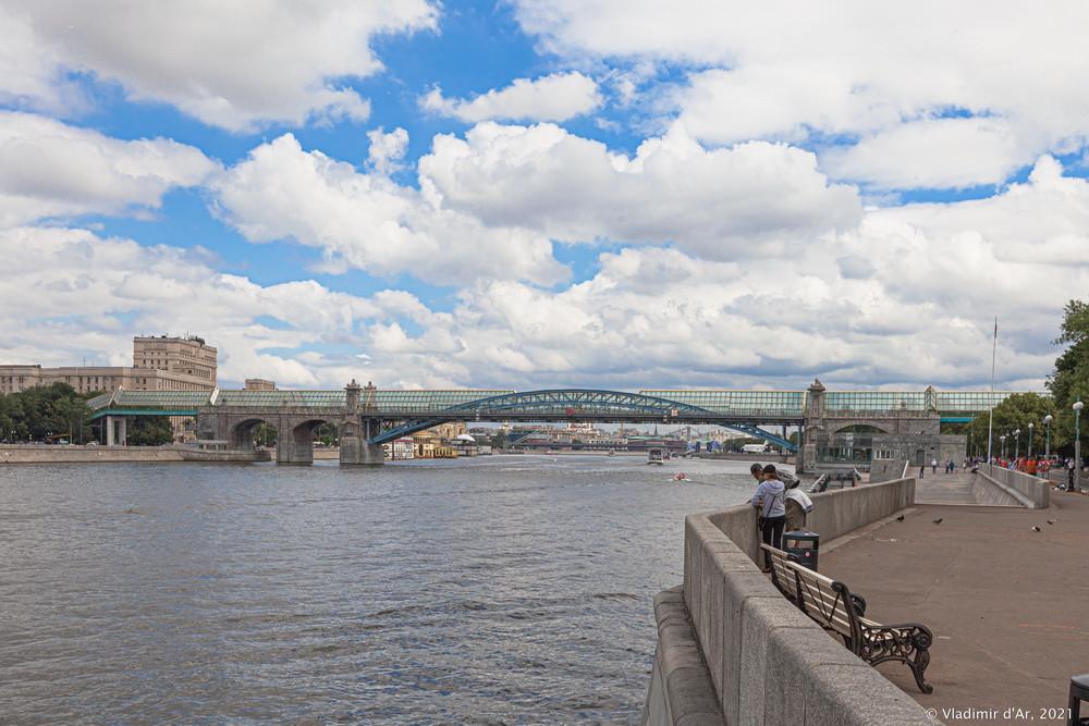 09. Андреевский пешеходный мост