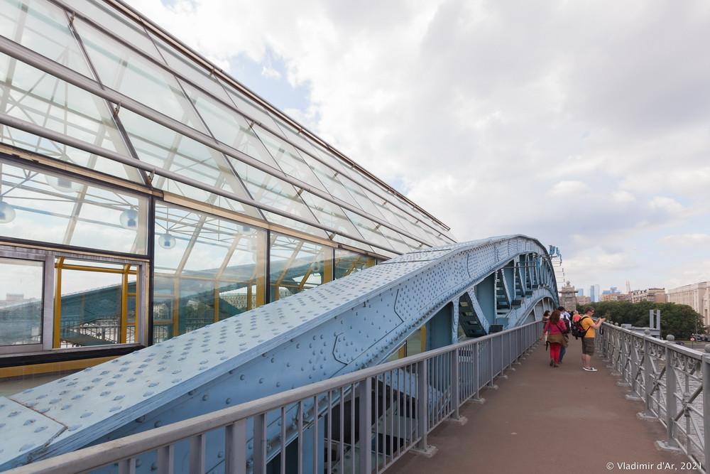 12. Андреевский пешеходный мост — главная арка Старого Андреевского моста