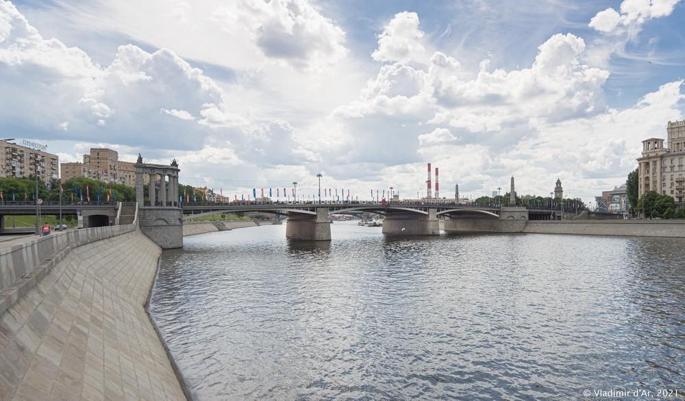 23. Бородинский мост — со стороны Смоленской набережной