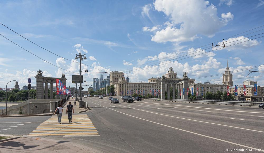 22. Бородинский мост со стороны Смоленской улицы и Садового кольца