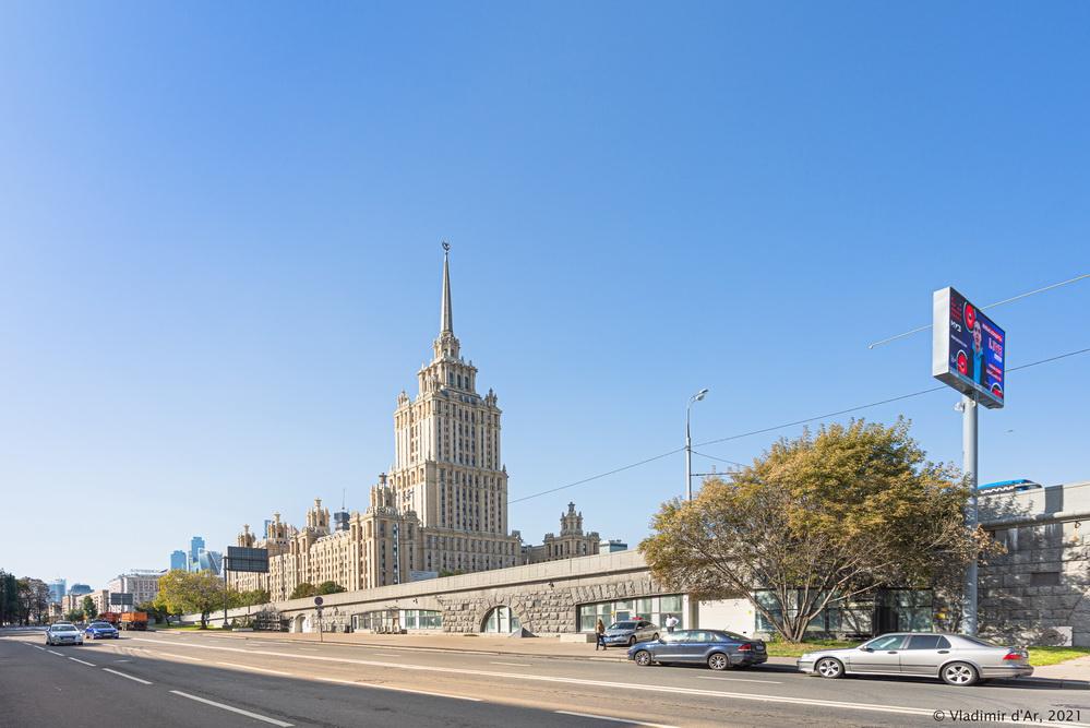 19. Эстакада-подъем Новоарбатского моста со стороны Кутузовского проспекта