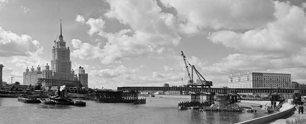 07. Монтаж главного пролетного строения Новоарбатского моста. 1957 год.