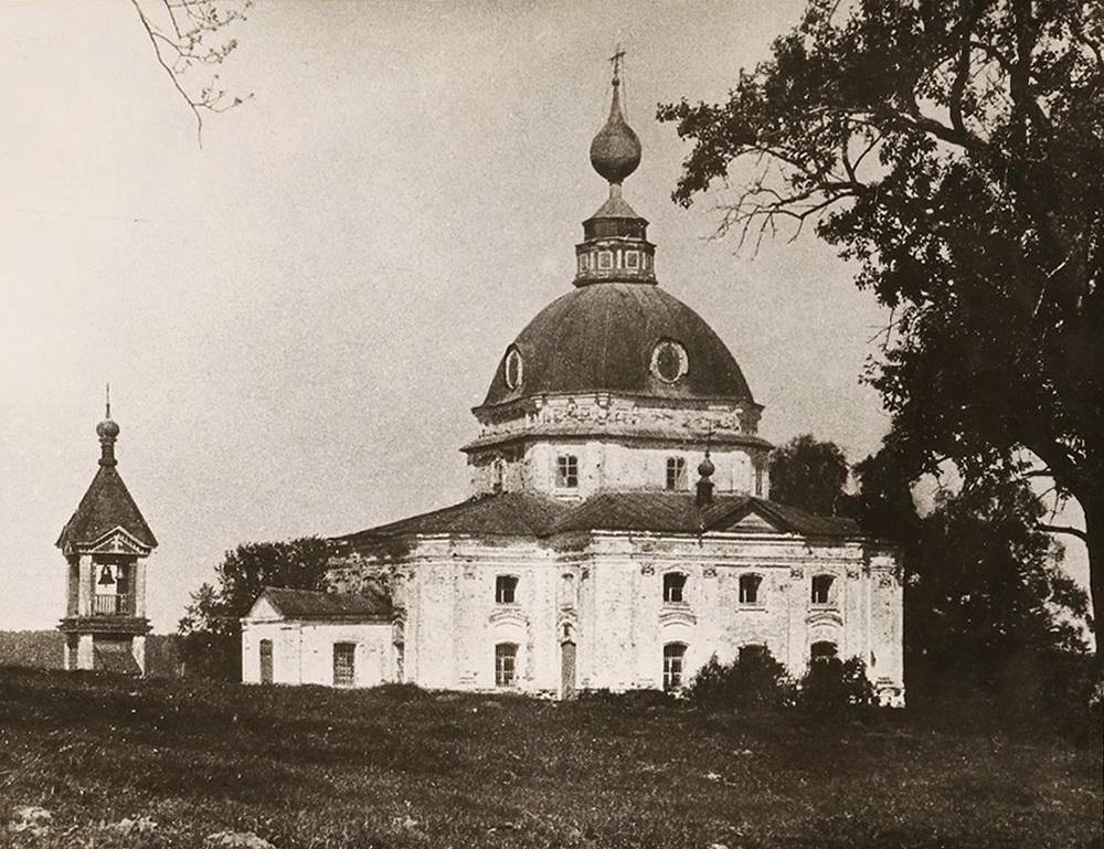 12. Архангельская церковь со звонницей - дореволюционное фото