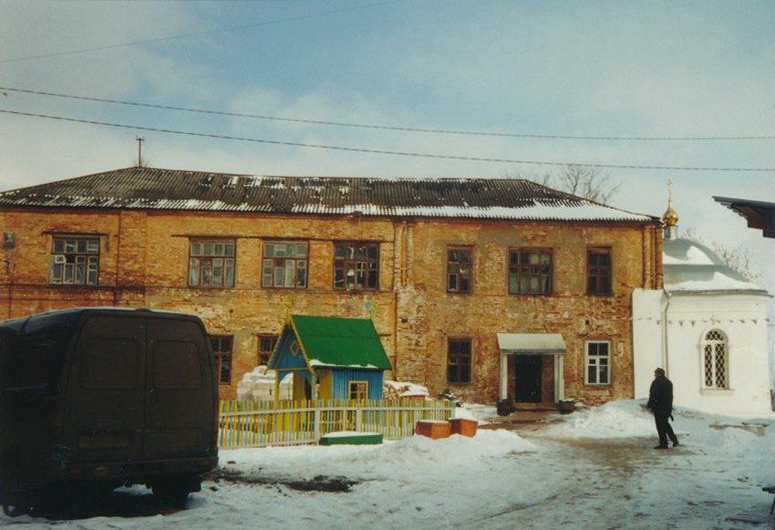 29. Здание Воскресенской церкви в 1998 году. Автор Агафонов А.
