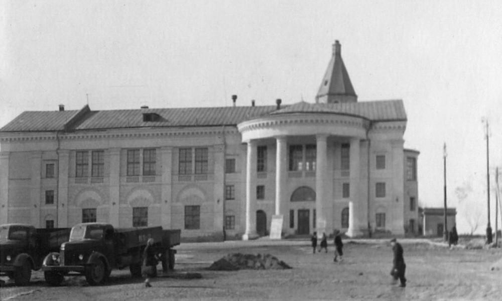 22. Дом Культуры в здании Троицкого собора. 1958-1963 гг.
