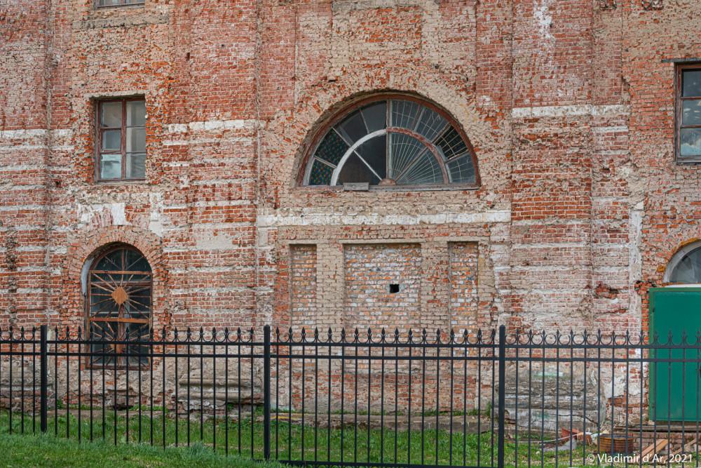 18. Фрагмент северного фасада Троицкого собора