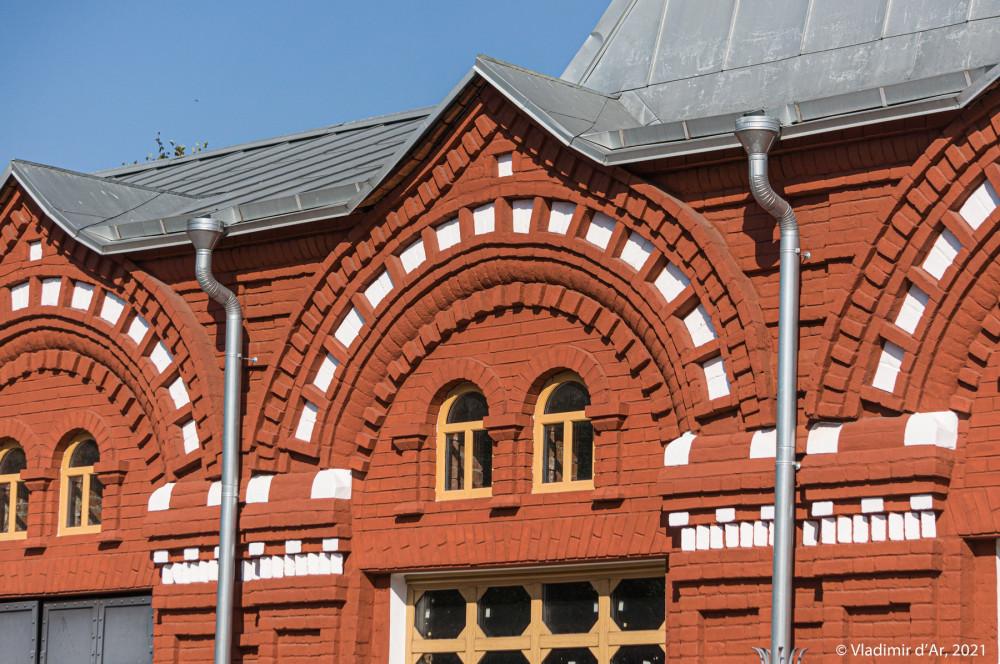 26. Архитектурные детали западного фасада