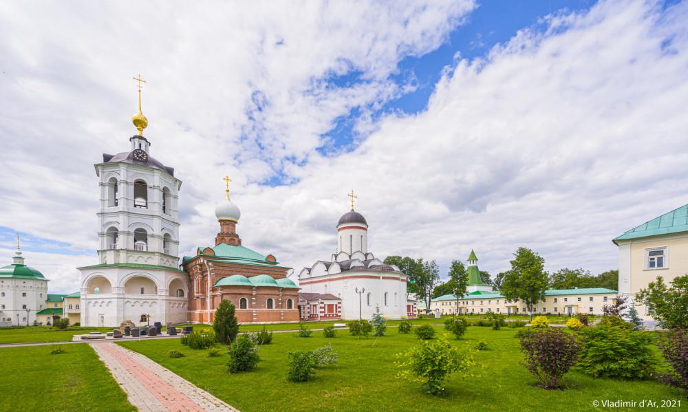 32. Николо-Пешношский монастырь - Колокольня, Сергиевская церковь, Никольский собор