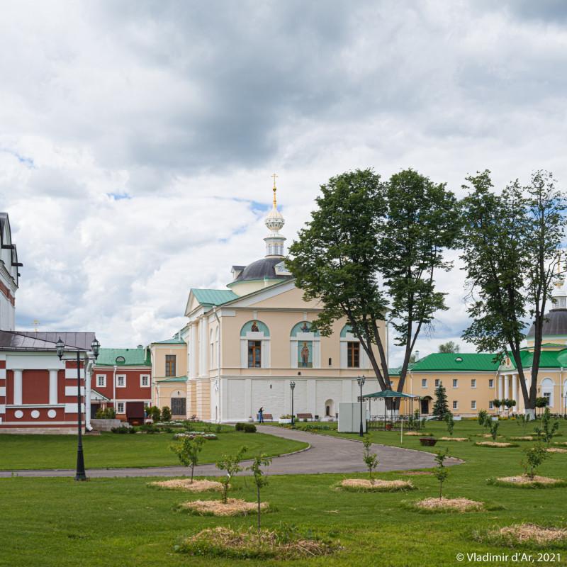 28. Вид Сретенской церкви с восточной стороны