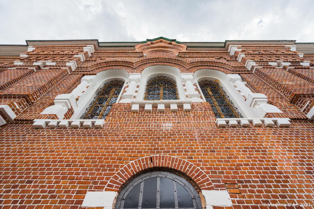 09. Северный фасад Сергиевской церкви
