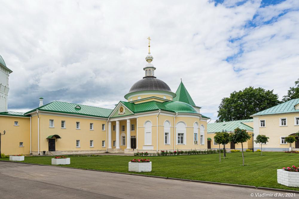 32. Больничная церковь Дмитрия Ростовского