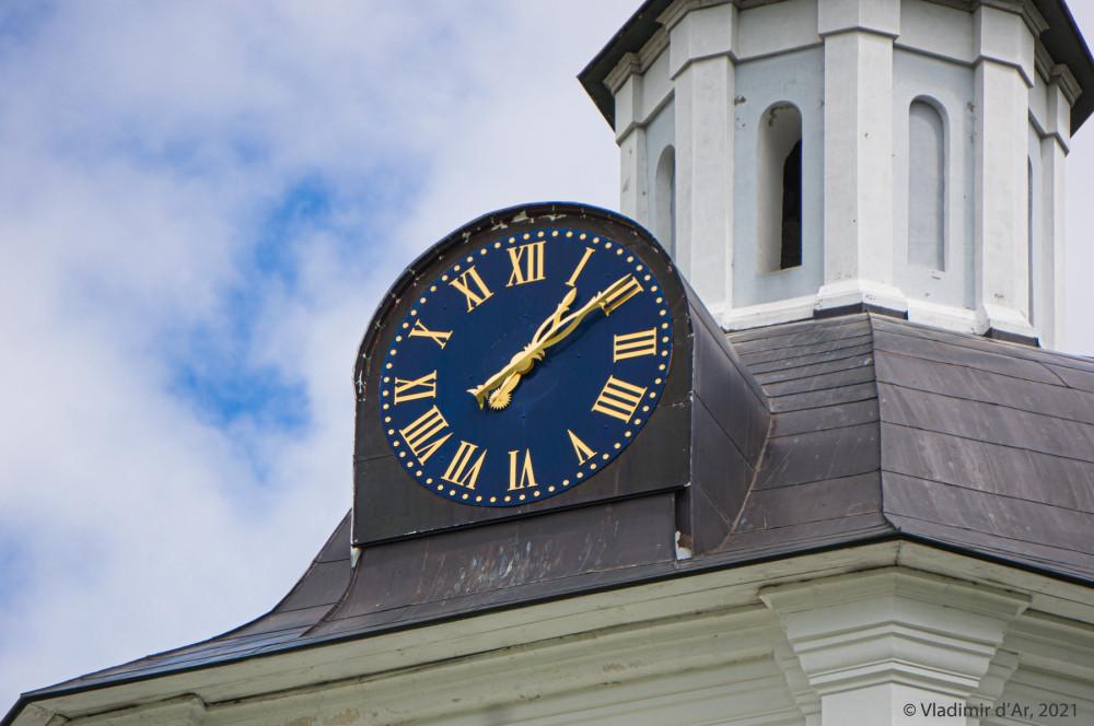 10. Часы на колокольне